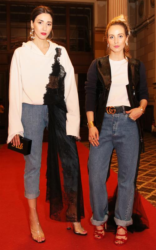 Fabuloasele îţi recomandă: jeanşii atipici! Cum îi mixezi în outfit-uri cool!