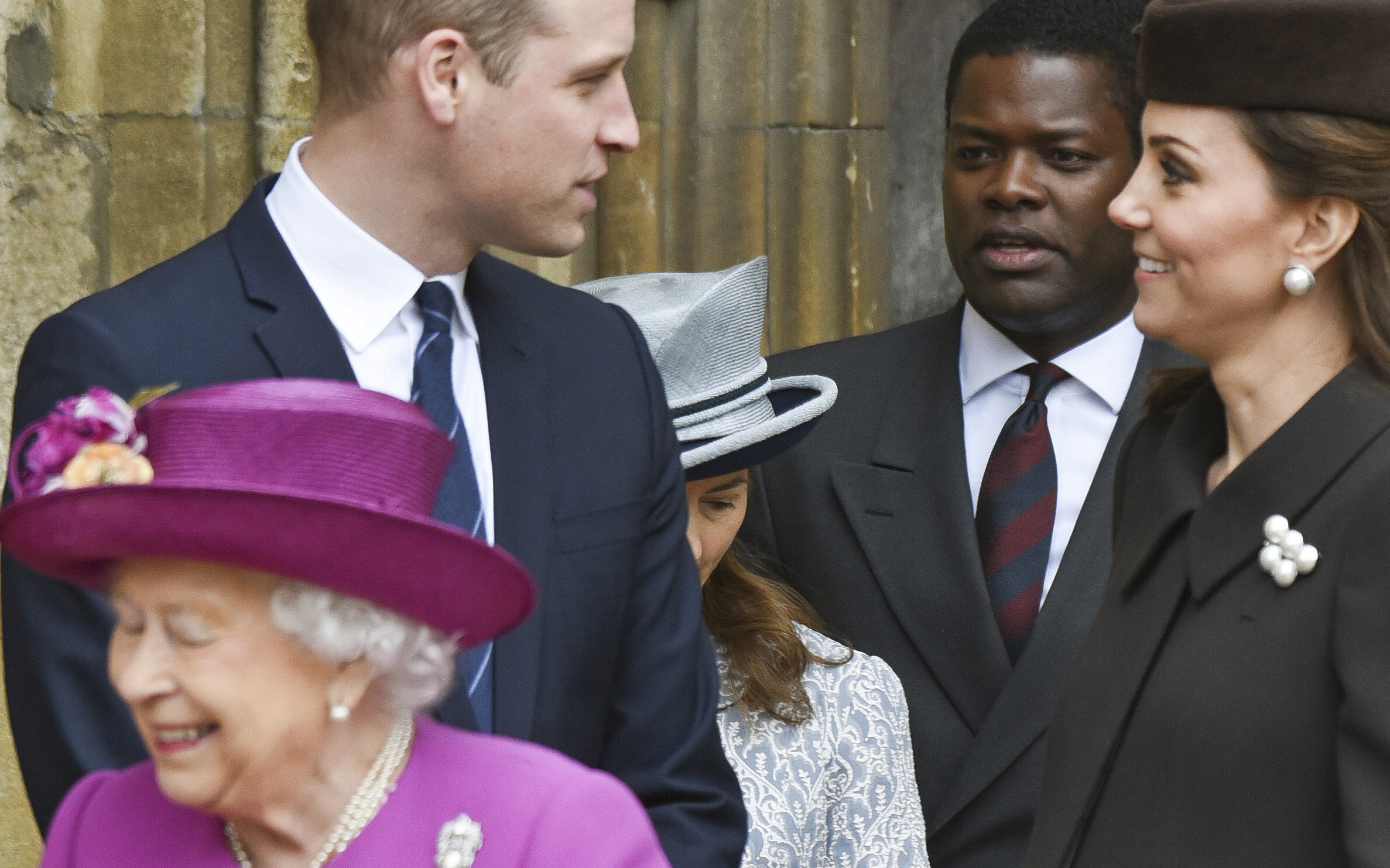 Regina Elisabeta a dezvăluit numele succesorului ei la tron! Premieră