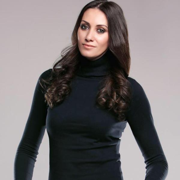 "Monica Panait - tutorial de makeup ""Red Carpet Look"""